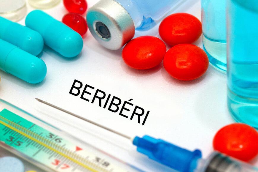 O beribéri apresenta como um de seus sintomas o formigamento e dormência dos membros.