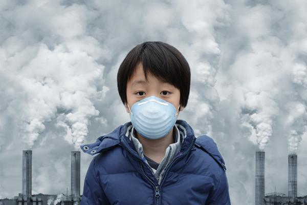 Um dos diversos tipos de poluição é a atmosférica, responsável por desencadear diversos problemas de saúde, como os que afetam o sistema respiratório.