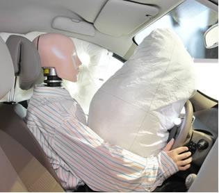 Os airbags dos carros inflam graças a uma reação de decomposição