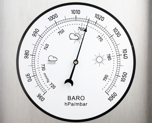 Barômetro usado para medir a pressão do ar atmosférico