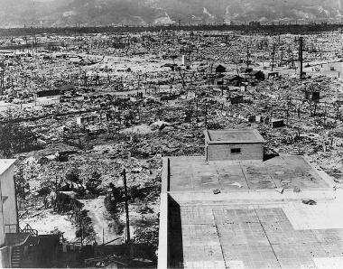 Efeitos da bomba atômica sobre a cidade de Hiroshima no Japão