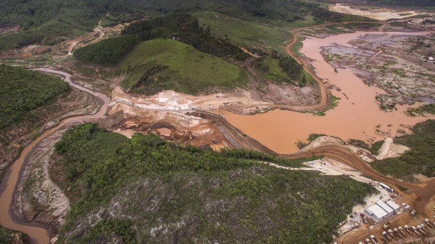 Rompimento da barragem em Mariana