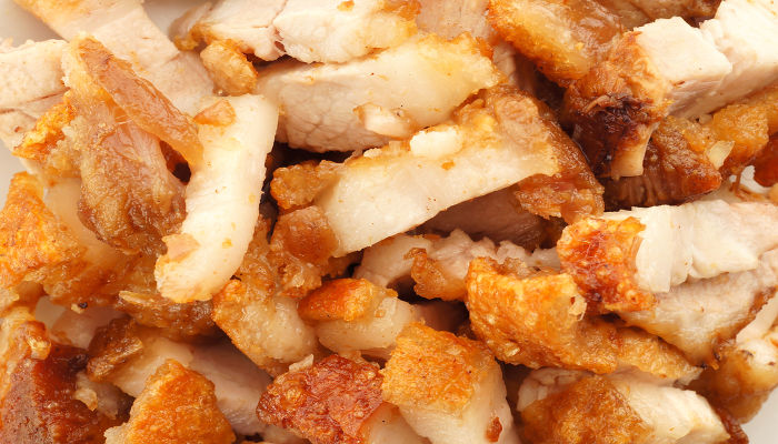 A ingestão de alimentos gordurosos pode aumentar o nível de colesterol no organismo e ser prejudicial à saúde