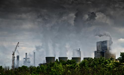 A poluição atmosférica provoca danos graves ao sistema respiratório da população
