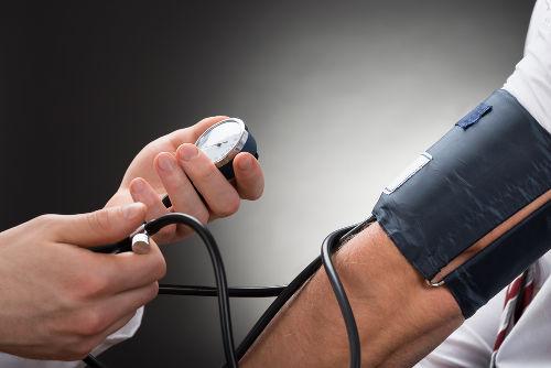 Aferir a pressão arterial é de suma importância