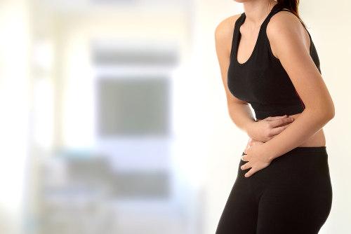 As dores de estômago podem ser consequência de uma alimentação inadequada