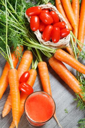 Cenoura e tomate são dois alimentos ricos em carotenoides