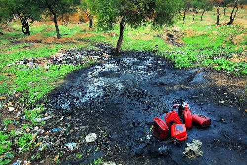 O descarte incorreto de substâncias pode levar à poluição do solo