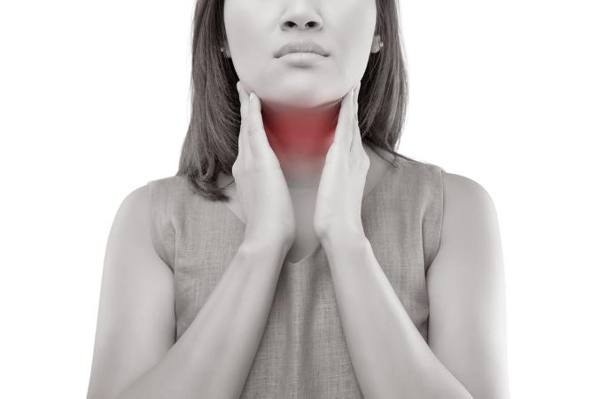Um dos sintomas dos linfomas é o aumento dos gânglios linfáticos, principalmente no pescoço, axilas e virilhas
