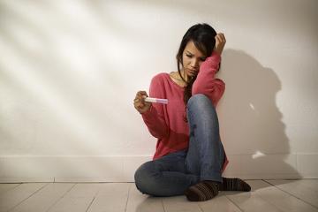 Uma gravidez indesejada pode ser evitada com o uso de métodos contraceptivos nas relações sexuais