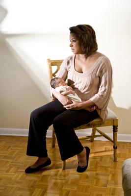 Vários fatores relacionam-se com a depressão pós-parto, entre eles a falta de apoio da família